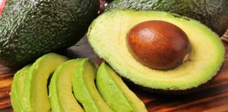 6 Delicious Ways to Add Avocado To Your Diet (And Why You Should)