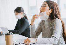 8 Ways to Nix Face Mask Bad Breath
